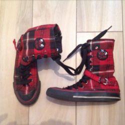 Dinsko Stylish Sneakers High