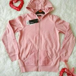 New sports blouse for girls