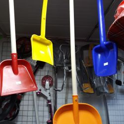 Baby shovels from 50 p.