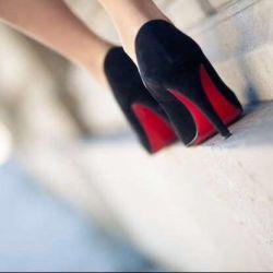 Нові туфлі човники