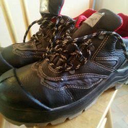 Новые Спец.обувь р.37,38, 42профессиональная