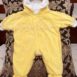 Children's velor jumpsuit is very warm