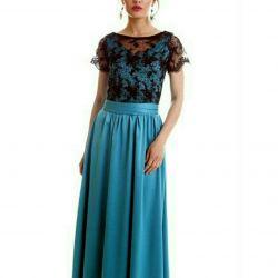 Ένα όμορφο φόρεμα στο χορό. Νέα