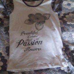 Όμορφο μπλουζάκι