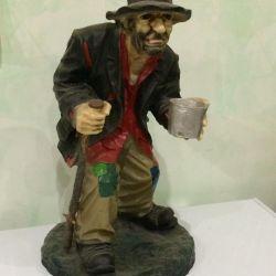 Polystone figure Beggar