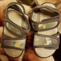 sandaletler andike ve lummie