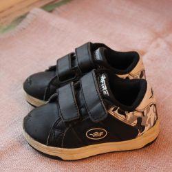 sneakers sandals Clarks 22r