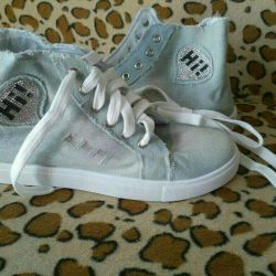 Sneakers 35 size new