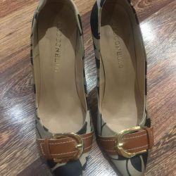 Туфли смотрятся очень стильно