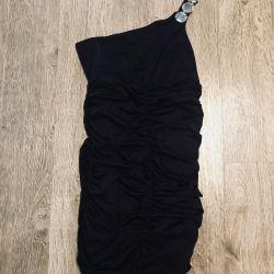 Bir omuz elbise