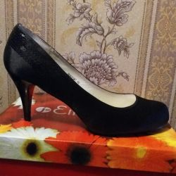 Shoes new 40 size.
