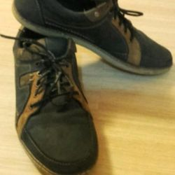 Кожаные ботинки р-р 39