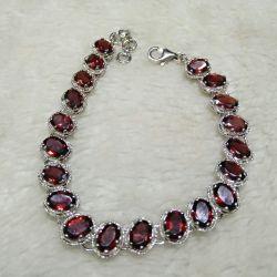 Bracelet with pomegranate