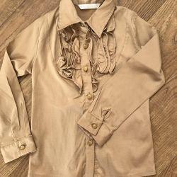 Bir kız için gömlek (bluz)