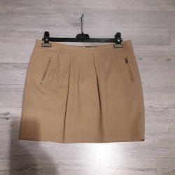 48-50r. Skirt Reserved
