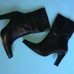 Οι ανοιξιάτικες μπότες ANDREA είναι καινούριες