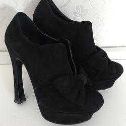 Women's shoes p 36