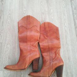 Μπότες μέγεθος 36