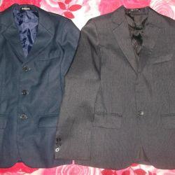 Școala uniformă este diferită pentru un băiat