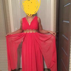 Yunan tarzında şık gece elbisesi