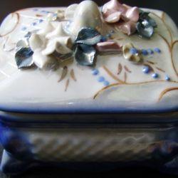 Butuc din ceramică.