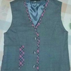 Vest for the girl. SCHOOL UNIFORM