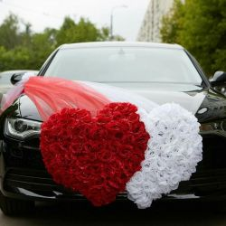 Decoration on the wedding car. New.