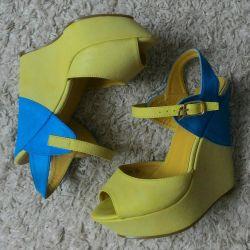 Sandals (rock)