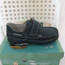 Shoes for a boy EL TEMPO