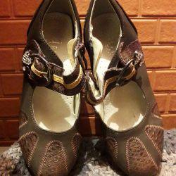 Pantofi pentru fată nou 33 r