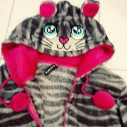 Sweatshirt cat!