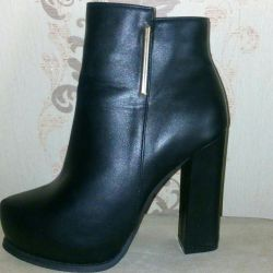 Ankle boots cool new