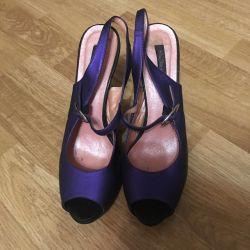 Pantofi frumos lila de culoare