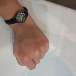 Πουλάω ρολόγια.