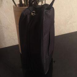 Man's cosmetic bag