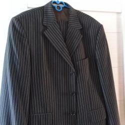 Men's suit size 52