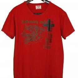 Lackjones p.52 shirt (labeled M)