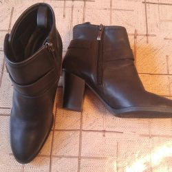 Boots leather brands Franco Sarto