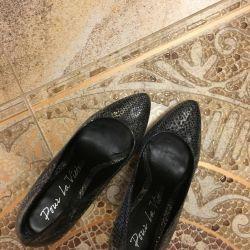 pantofi trend metalic