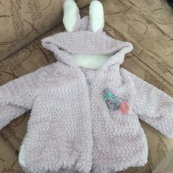Bir kız için bahar için yapay kürk ceket 3-6 ay