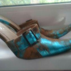 Босоножки-туфли на шнуровке 39р.(поменять набойки)