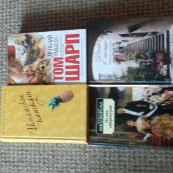 Gençler, modern kitaplar için kitaplar.