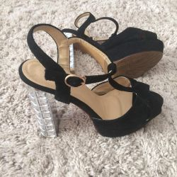 Sandals shoes black with a comfortable heel