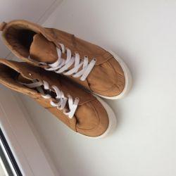 Кеды женские, ботинки 38 размер Bershka