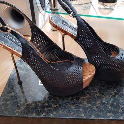 Basconi sandalet deri yeni