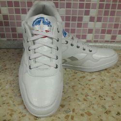 Erkek spor ayakkabı.