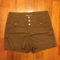 Shorts on the high waist