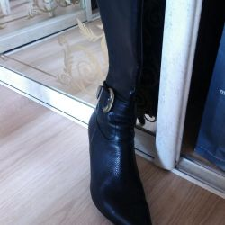 Boots of women. Demizese. Leather