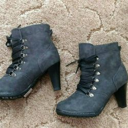 Ankle boots 38p. New