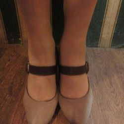 Natural suede shoes 40